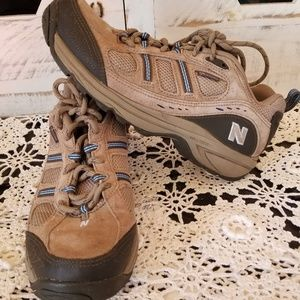 NEW BALANCE 646 Tan Suede Hiking / Trail Sneakers